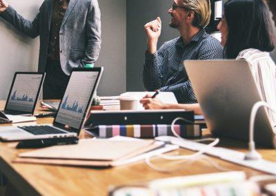 E-commerce, Marketing digital y Redes Sociales en la Gestión de Clientes